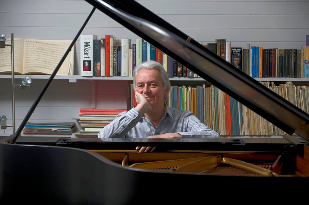 Christian Blackshaw, piano