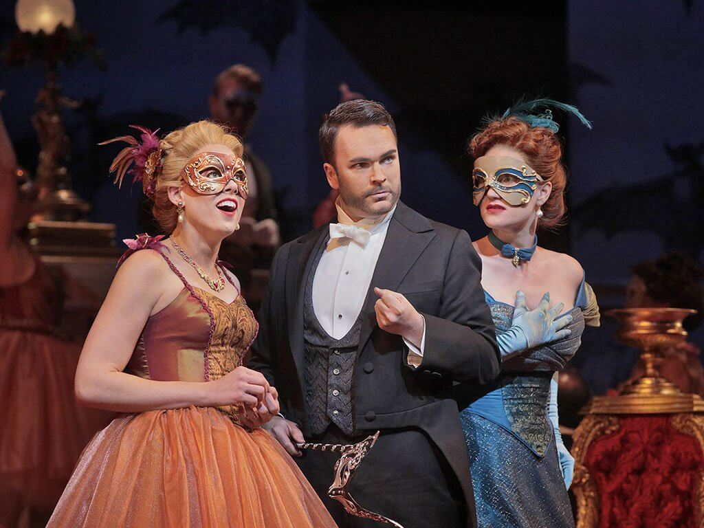 Die Fledermaus at Santa Fe Opera 2017 (Photo: Ken Howard)