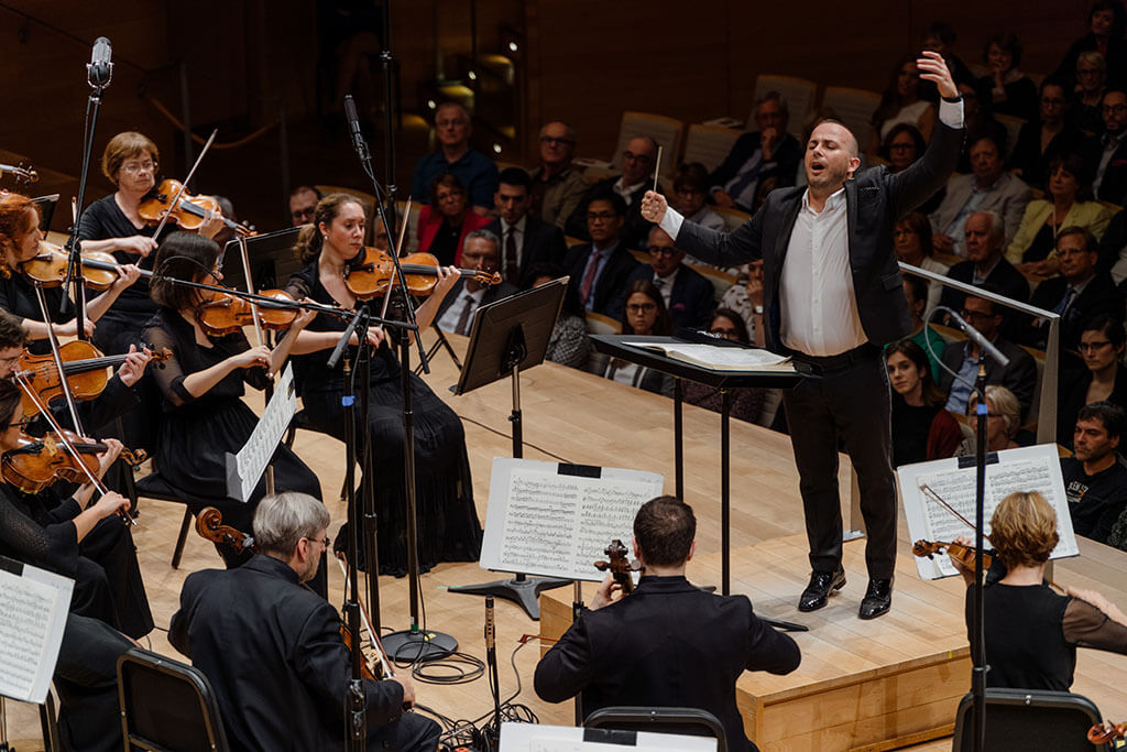 Yannick Nézet-Séguin and the Orchestre Métropolitain perform on September 7, 2017 at Maison symphonique. (Photo: François Goupil)