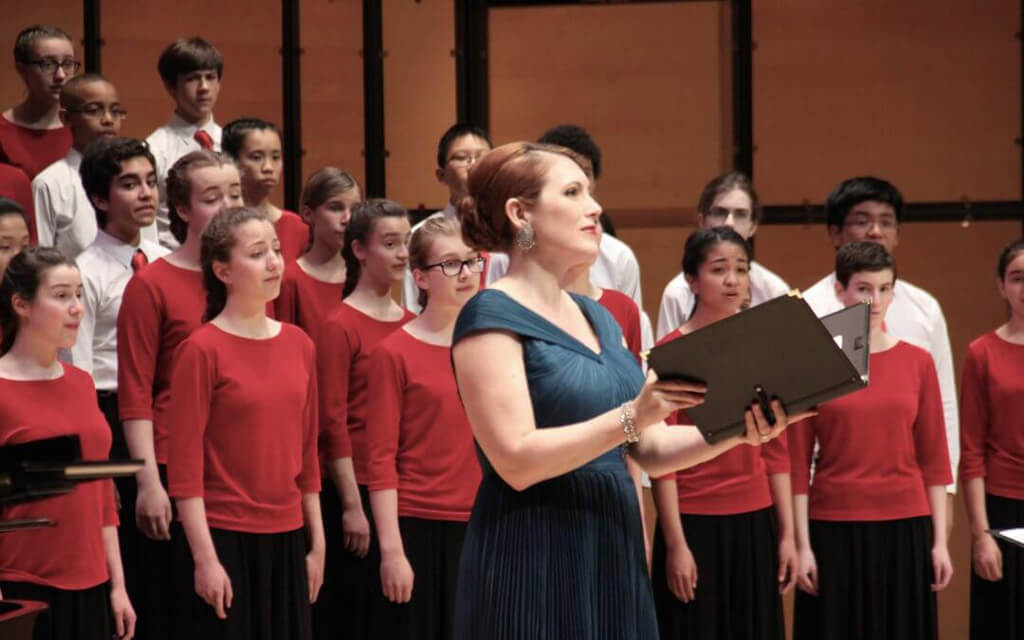Mezzo-soprano Krisztina Szabó Performs with the Toronto Children's Chorus