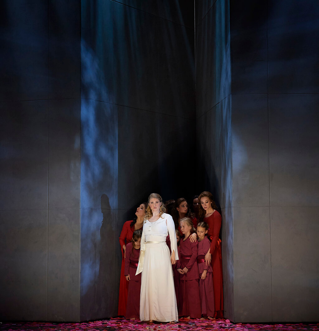 Jane Archibald as Konstanze (centre) in the Canadian Opera Company's new production of The Abduction from the Seraglio. (Photo: Michael Cooper)