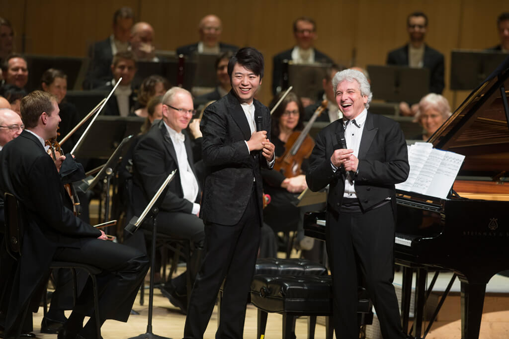 Lang Lang and Peter Oundjian (Photo: Jag Gundu)