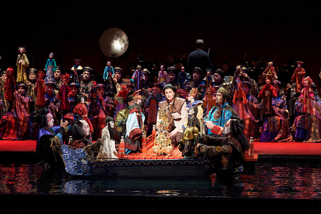 (l-r) Bruno Roy as Japanese Envoy 3, Samuel Chan as Japanese Envoy 2, Jane Archibald as the Nightingale, Oleg Tsibulko as the Emperor and Miles Mykkanen as Japanese Envoy 1 (Photo: Michael Cooper)