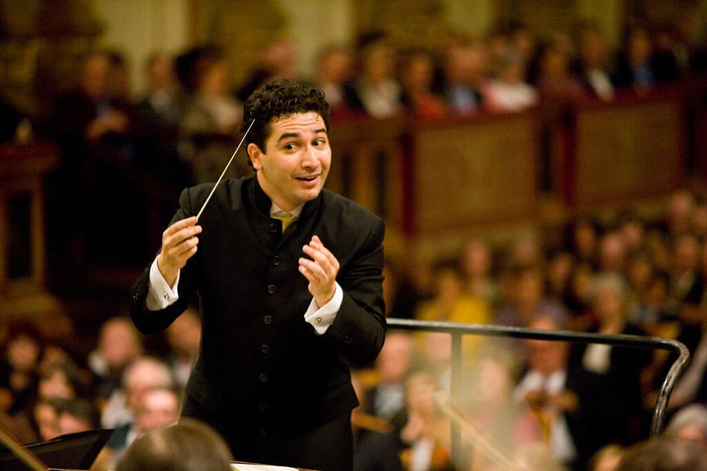 Conductor: Andrés Orozco Estrada (Photo: Werner Kmetitsch)