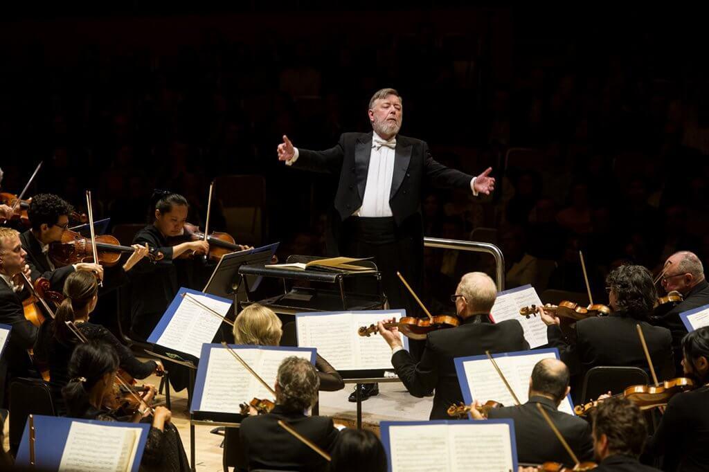 Sir Andrew Davis conducts Sibelius (Photo: Jag Gundu)