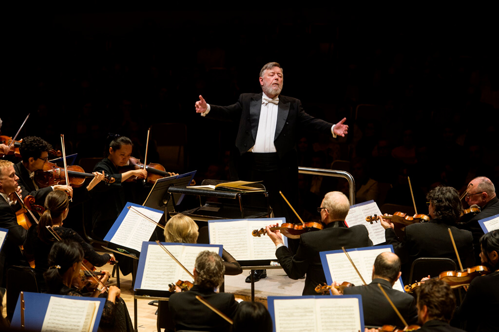 Sir Andrew Davis conducts Sibelius (Photo: Jag Gundu)