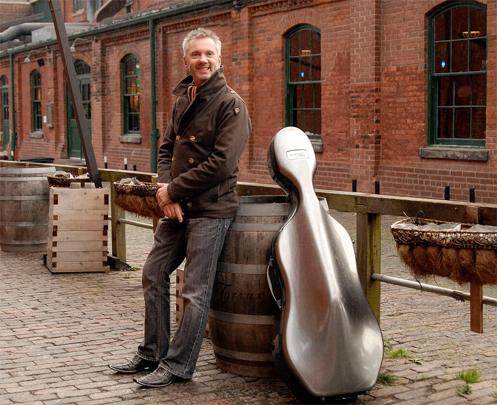Cellist Simon Fryer