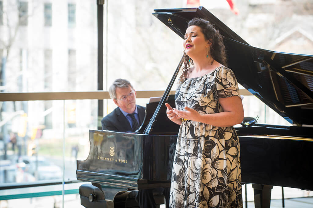 Tracy Cantin, soprano; Robert Kortgaard, piano. (Photo: Chris Hutchison)