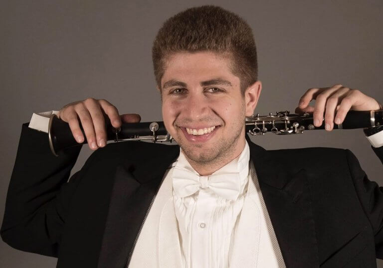 An Ontario Superior Court judge has awarded $ 350,000 in damages to McGill clarinetist Eric Abramovitz in a lawsuit against his former girlfriend for sabotaging his career.
