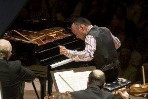 Jon Kimura Parker plays Gershwin Concerto in F (Photo: Jag Gundu)