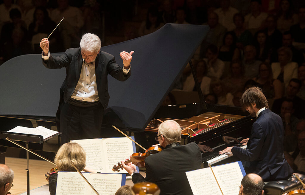 Peter Oundjian and Daniil Trifonov (Photo: Jag Gundu)