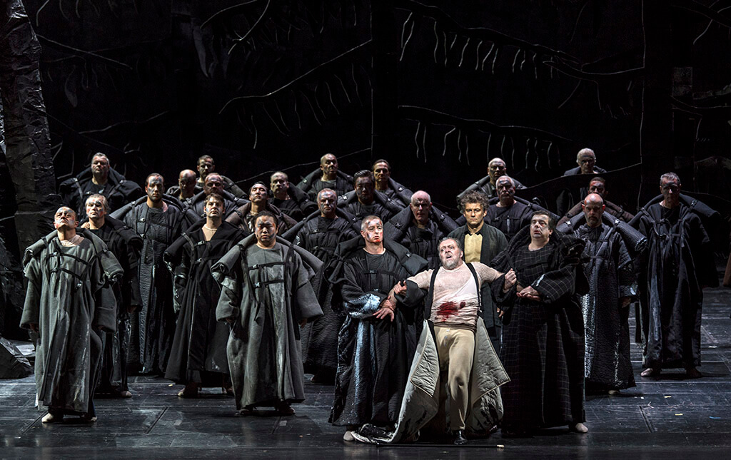 Cast of Parsifal, Bayerisches Staatsorchester (Photo: Wilfrid Hosl)