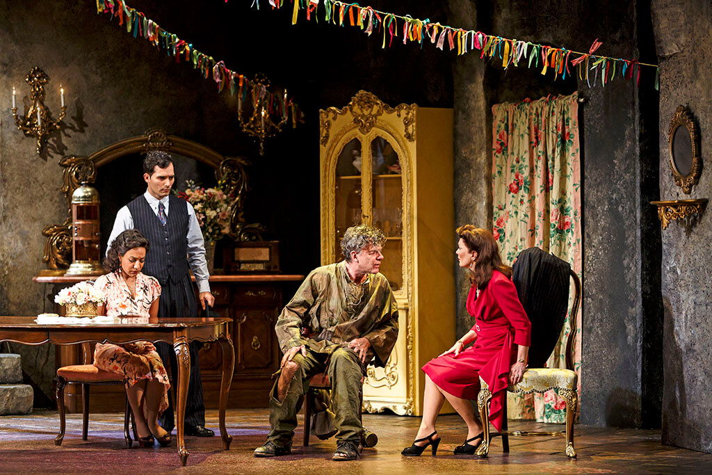 From left: Johnathan Sousa as Amedeo, Shruti Kothari as Maria Rosaria, Tom McCamus as Gennaro and Brigit Wilson as Amalia in Napoli Milionaria! (Photo: David Hou)