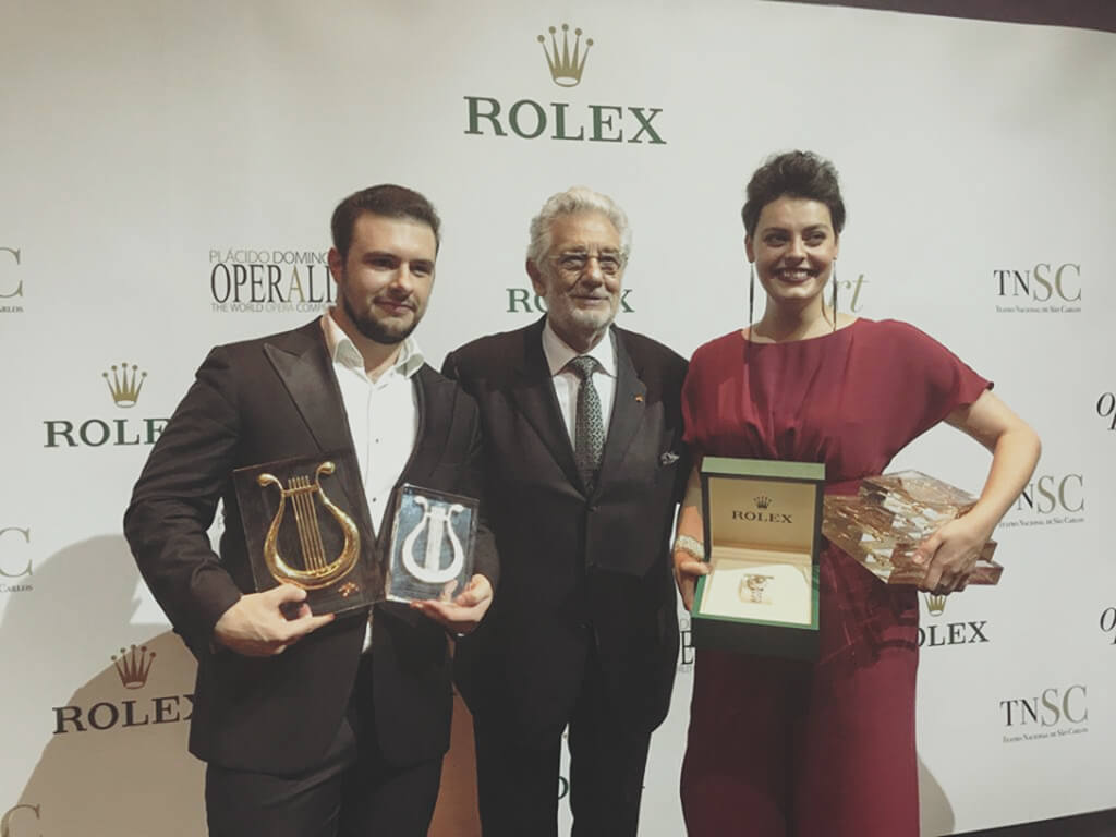 Operalia 2018 First Prize Winners Emily D'Angelo, mezzo-soprano & Pavel Petrov with Maestro Placido Domingo (Photo: Jose Luis R. Cortes)
