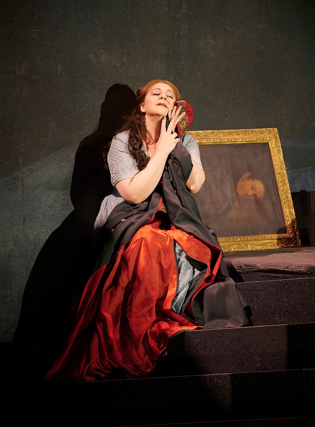 Christine Goerke as Elektra in the Canadian Opera Company's production of Elektra, 2019. (Photo: Michael Cooper)