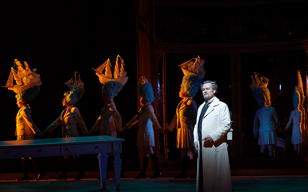 Russell Braun as Don Alfonso in the Canadian Opera Company's production of Così fan tutte, 2019.(Photo: Michael Cooper)