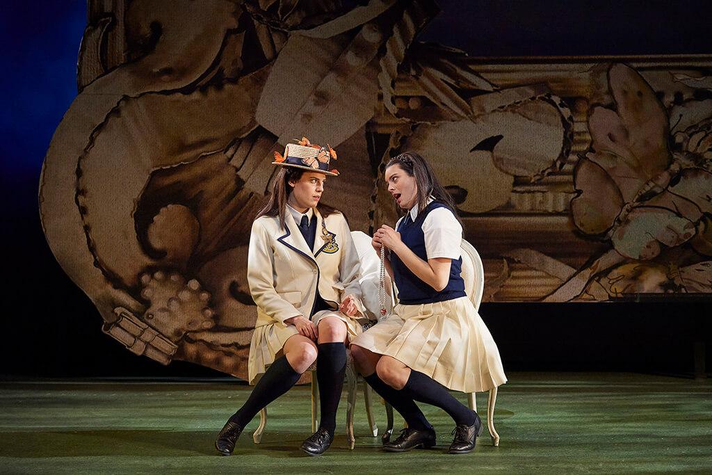 (l-r) Kirsten MacKinnon as Fiordiligi and Emily D'Angelo as Dorabella in the Canadian Opera Company's production of Così fan tutte, 2019. (Photo: Michael Cooper)