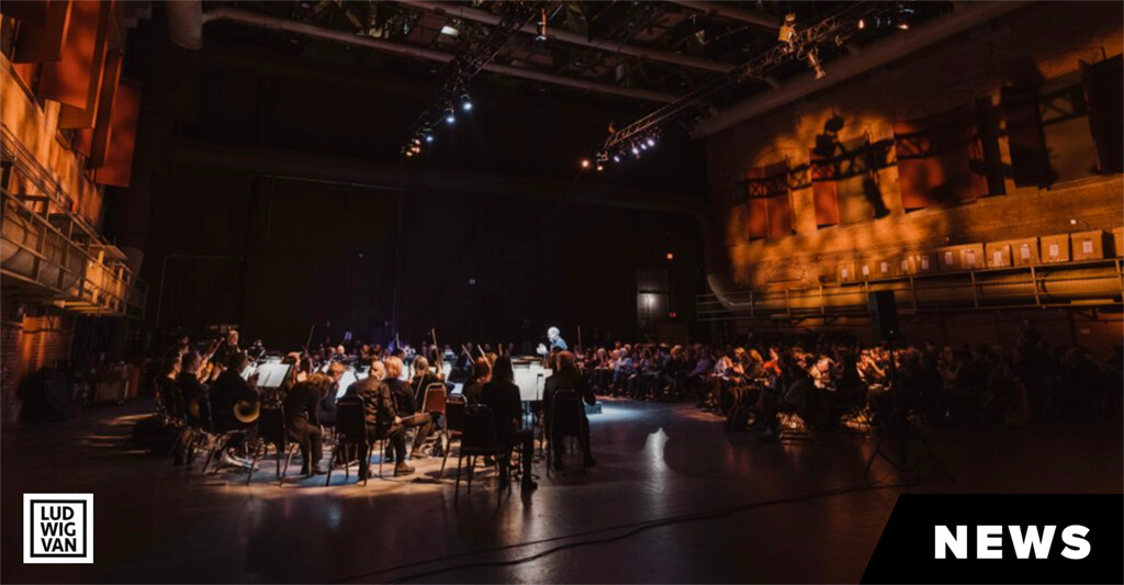 The COC Orchestra performs excerpts from Mozart's Così fan tutte at the Imperial Oil Opera Theatre in the Joey and Toby Tanenbaum Opera Centre (Photo courtesy of the COC)