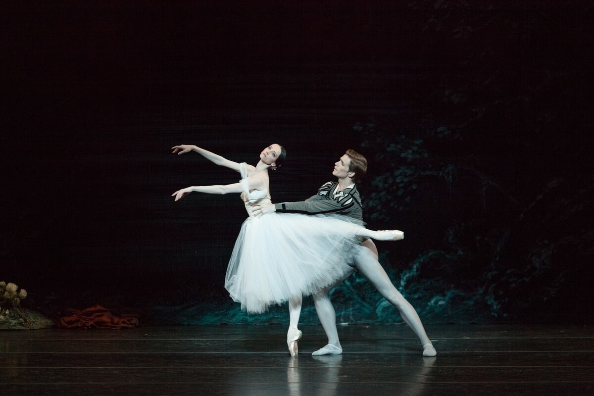 Svetlana Lunkina and Harrison James in the National Ballet's Giselle