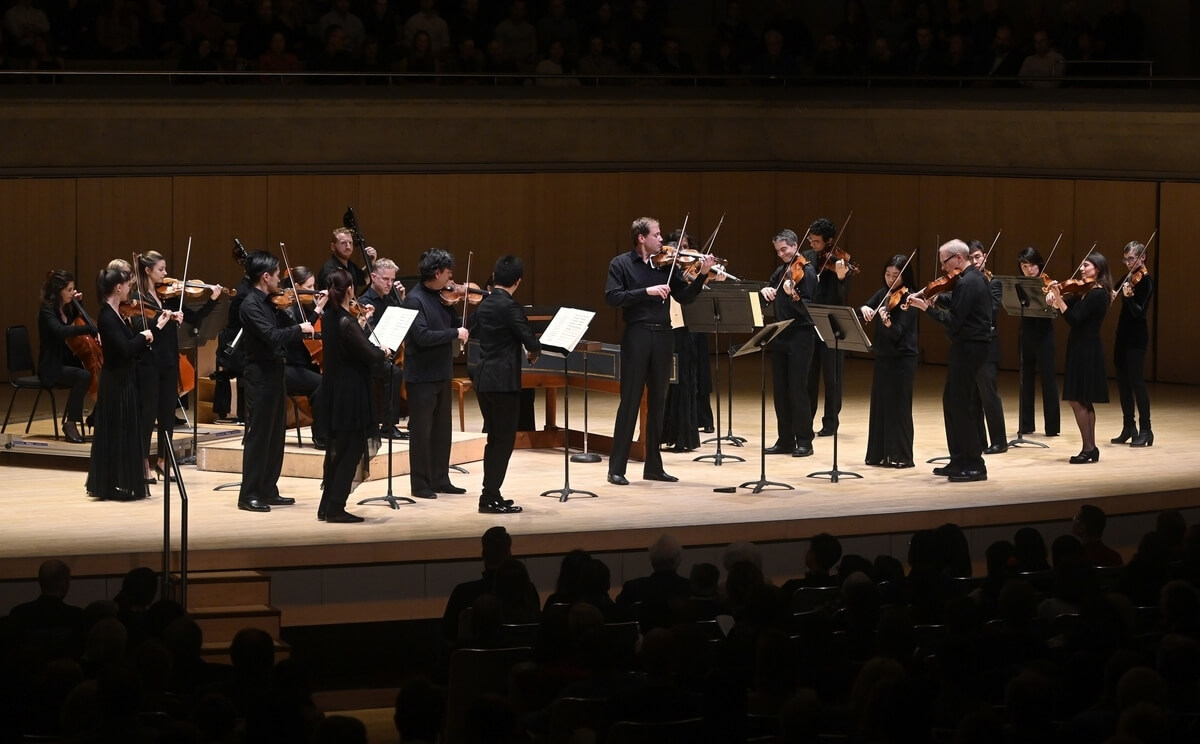 Jonathan Crow leads the Toronto Symphony Orchestra