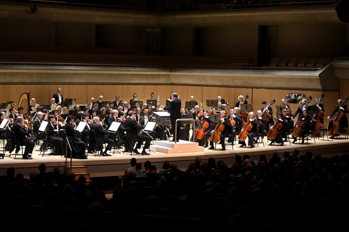 Sir Andrew Davis conducts the Toronto Symphony Orchestra