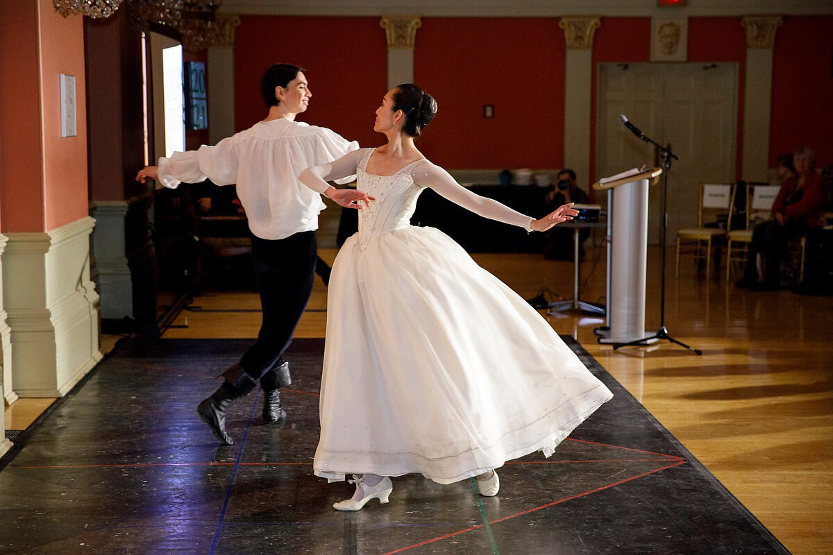 Artists of Atelier Ballet Kevin Law and Juri Hiraoka (Image courtesy of Opera Atelier)