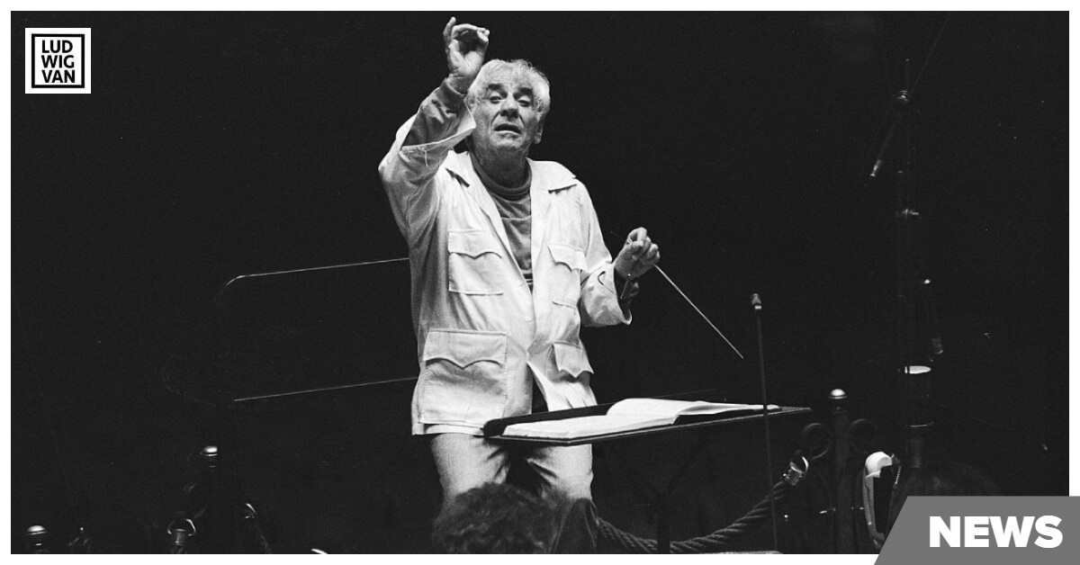 Leonard Bernstein conducts at the Holland Festival on May 30, 1985 (Photo courtesy of the Nationaal Archief, Holland, under a Creative Commons CC0 1.0 Universal Public Domain Dedication license)