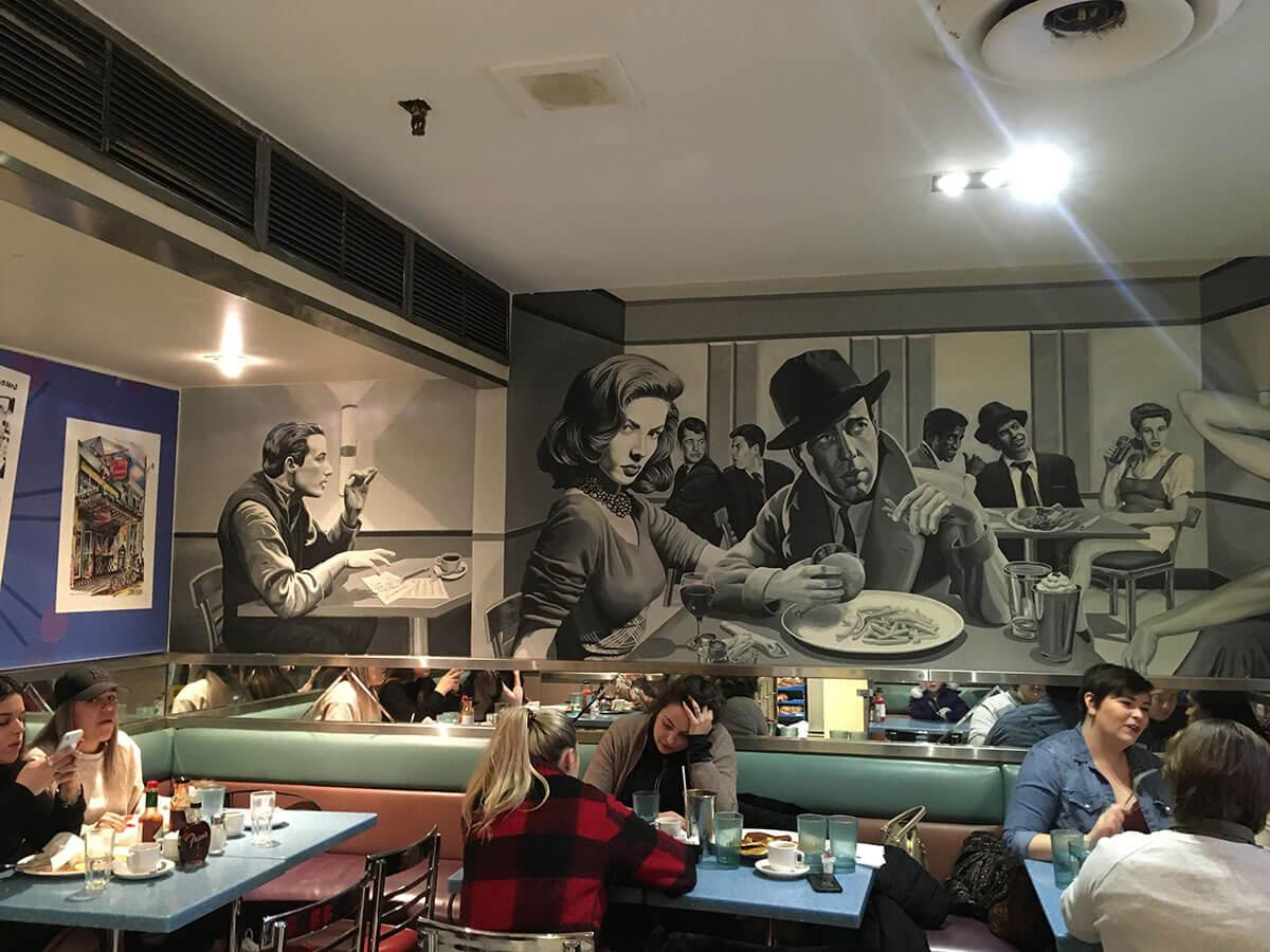 Fran's, mural (Photo : Michela Comparey)