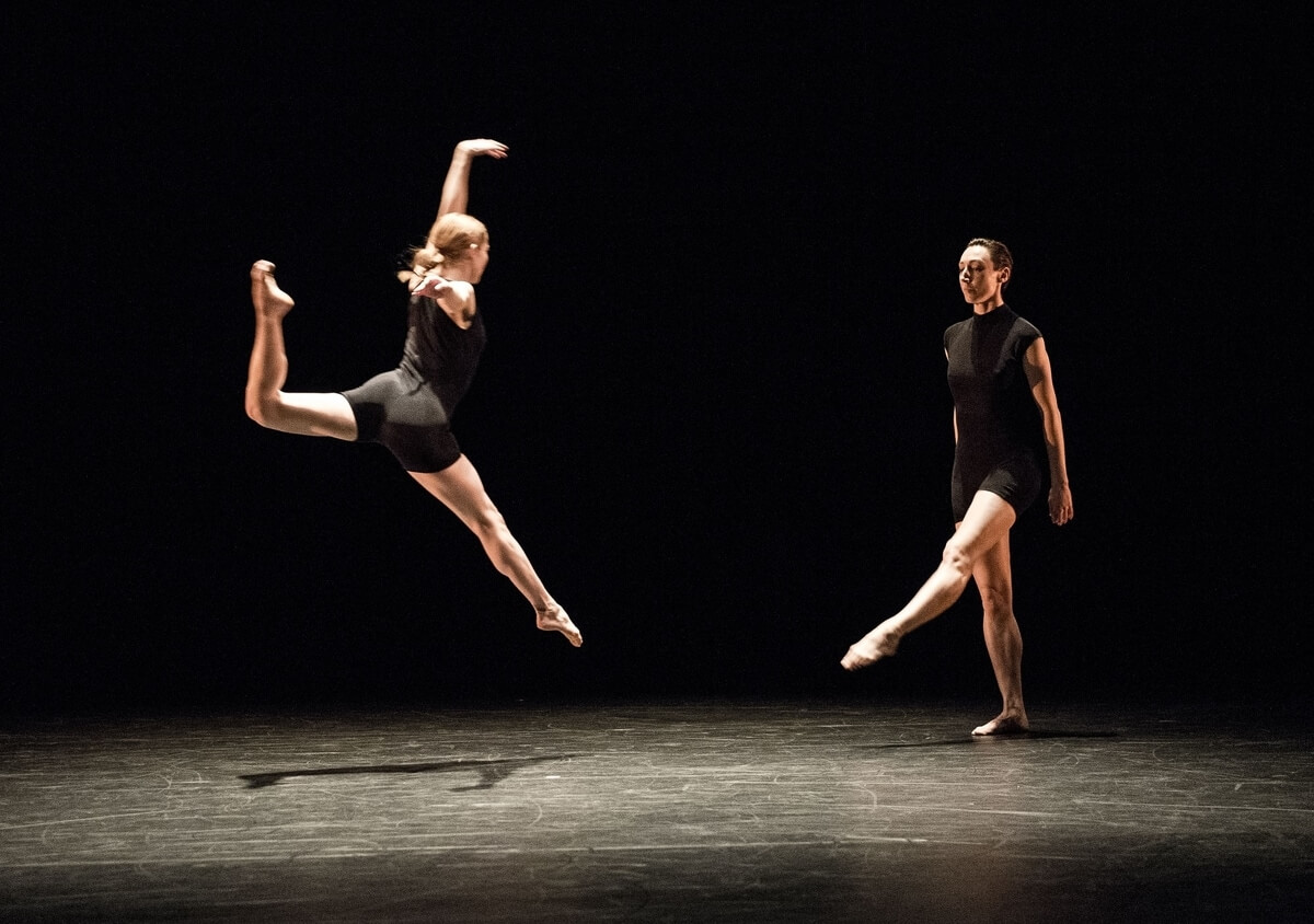 House Mix - Christianne Ullmark and Erin Poole in Encarnado (2020) (Photo : Ömer Yükseker)