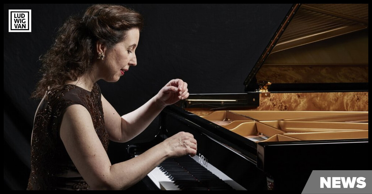 Angela Hewitt plays the Fazioli piano (Image courtesy of the artist)