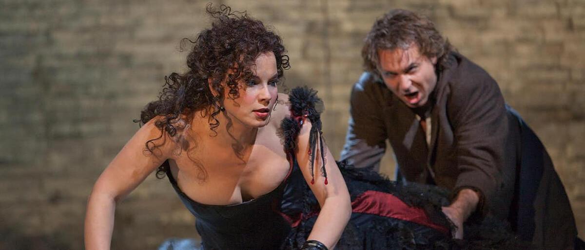 A scene from The Metropolitan Opera 2010 production of Bizet's Carmen with Elina Garanca. (Photo: Metropolitan Opera