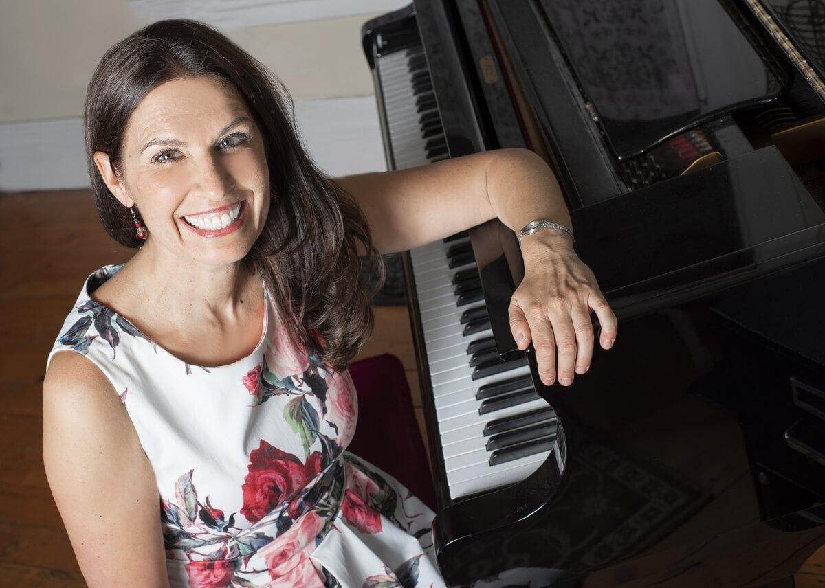 Pianist Jennifer Smele (Photo courtesy of the artist)