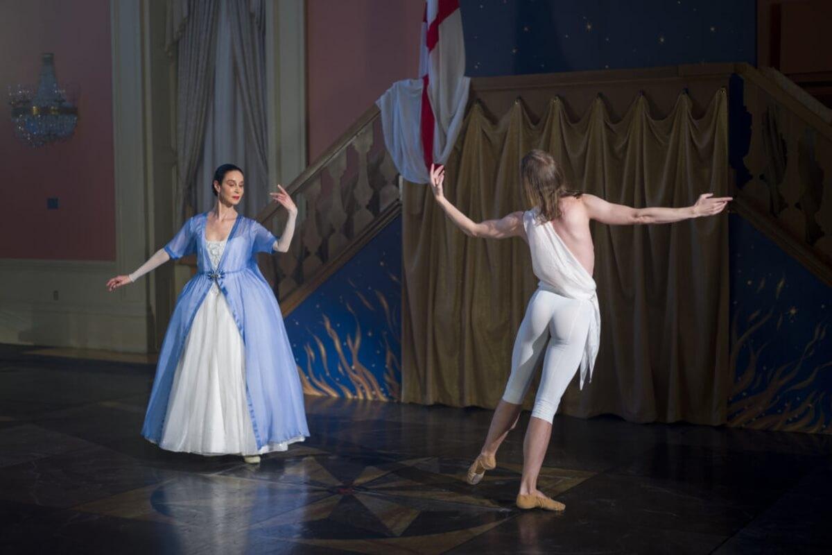 Opera Atelier's produciton of Handel's 'The Resurrection', Artists of Atelier Jeannette Lajeunesse-Zingg & Dominic Who (Photo: Bruce Zinger)