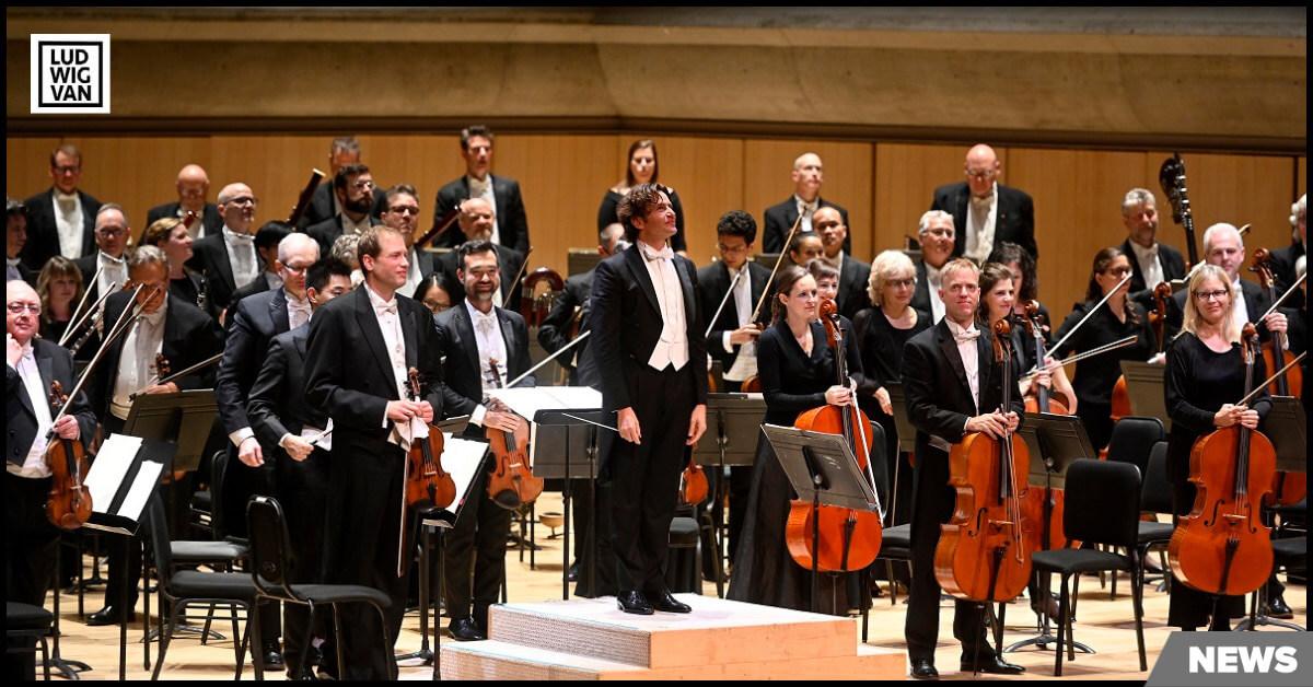 Gustavo Gimeno and the TSO (Photo: Jag Gundu)