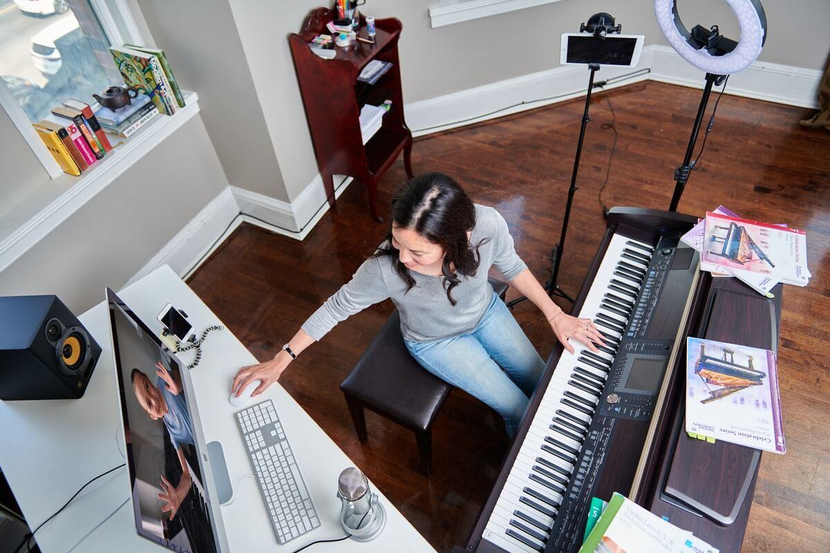 Digital piano lessons